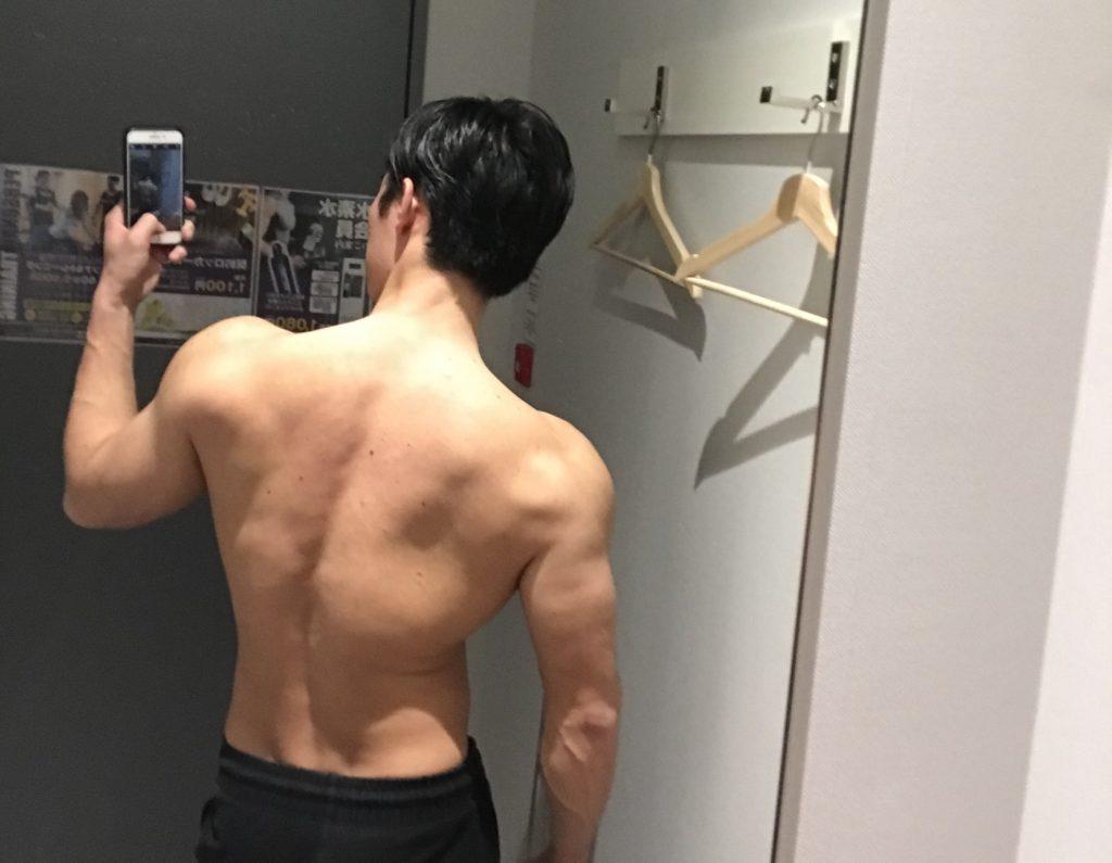 染谷敏紀の背中の筋肉