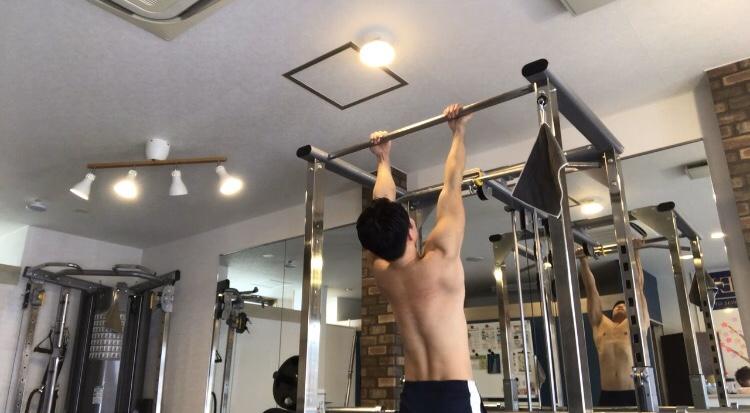 懸垂(チンニング)のやり方5